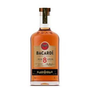 Bacardi 8 YO 40% 0,7l